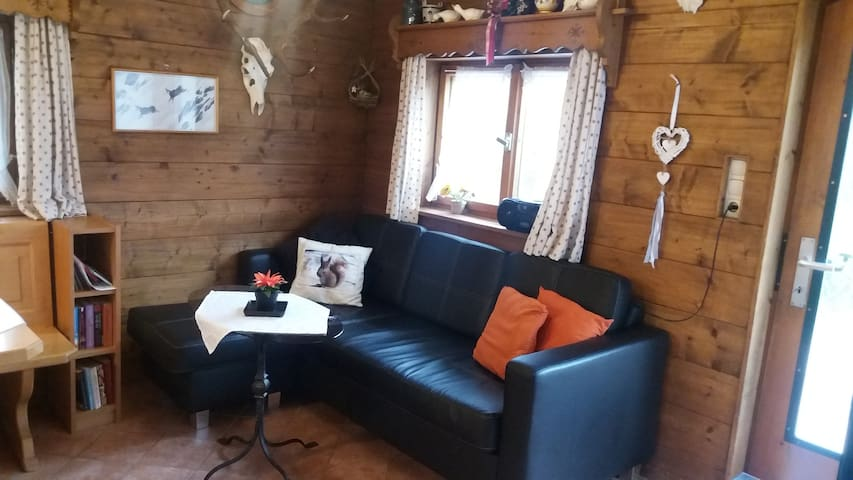 quiet cozy holiday-house, 4 persons,Castles 40 km - Unterammergau - Casa