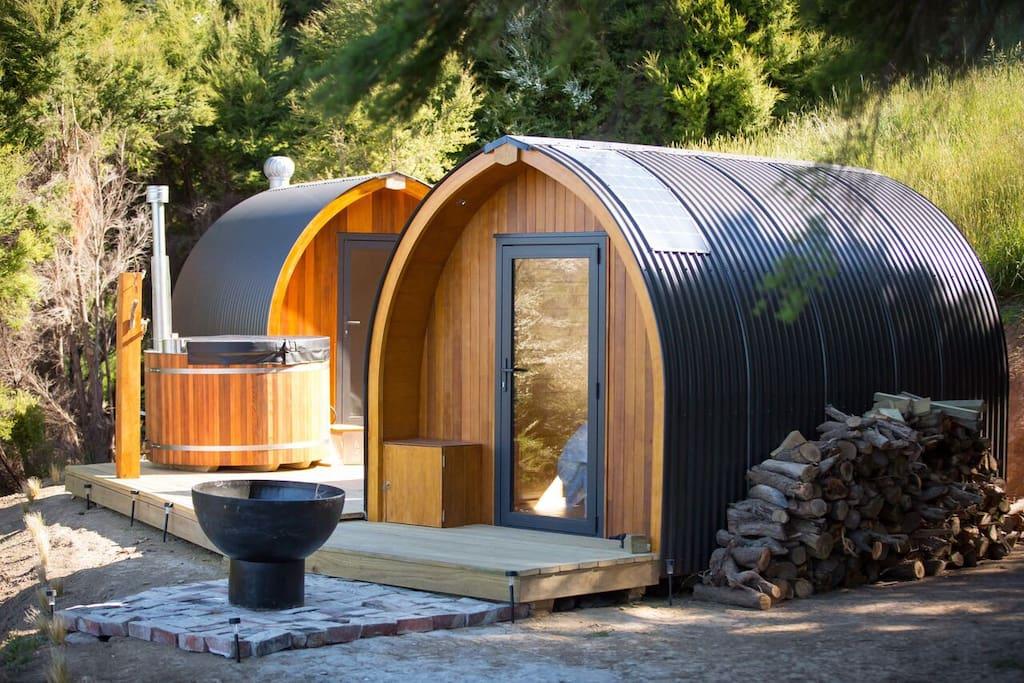 te wepu intrepid pod retreats kereru pod huts for. Black Bedroom Furniture Sets. Home Design Ideas