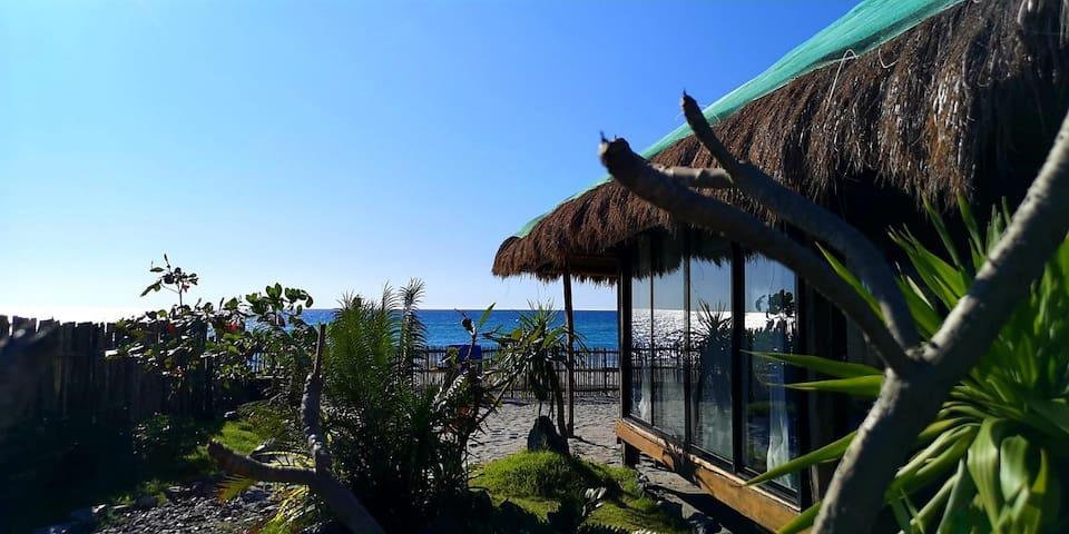 Yellow Slipper Beach Villas, Cabangan Zambales, PH