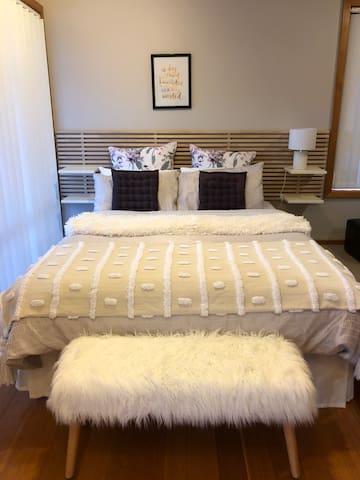 City Retreat - comfy apt close to Hobart cbd