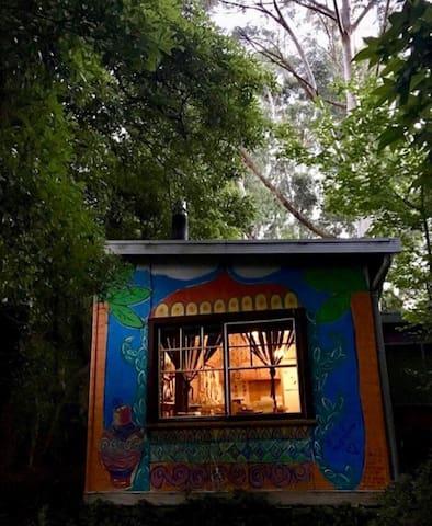 Riverside 2 bedroom cabin
