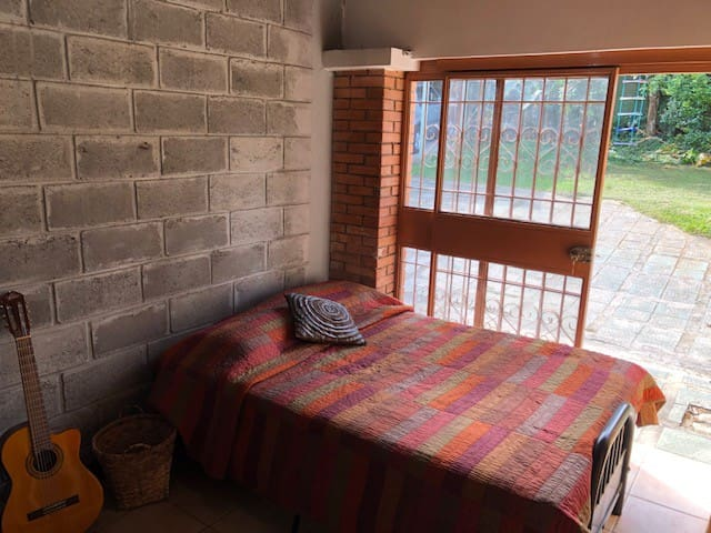 Guest´s room with direct access to the garden