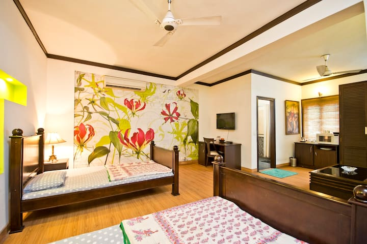 Service Apartments In New Delhi - New Delhi - Apartment