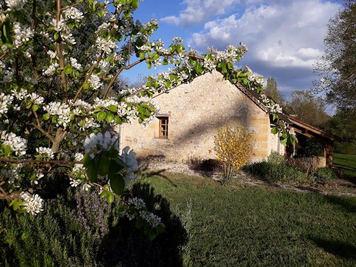 La Roseraie 1 : ancienne bergerie rénovée