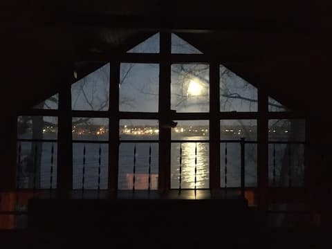 Big Stone Lake Cabin on water, Ortonville MN & SD