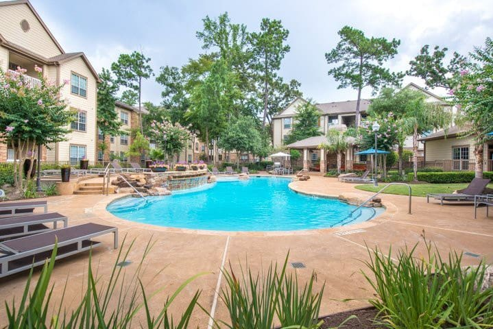 Charming two bedroom in The Woodlands!