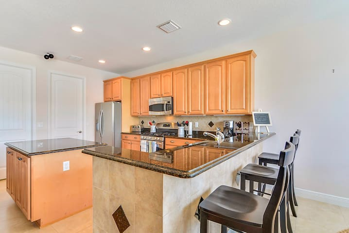 Updated Waterfront Tampa Home - Apollo Beach - Hus