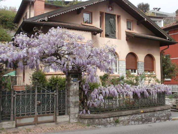 Villa Elvezia - Pensione privata a Vacallo, Ticino