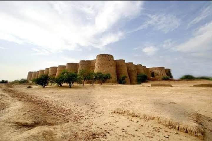 Fort Derawar Desert Camping