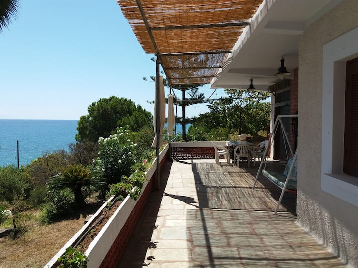 Seaside house 110m2 - Beachfront