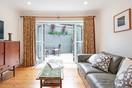 Sydney -Cammeray  apartment-covid safespring sale