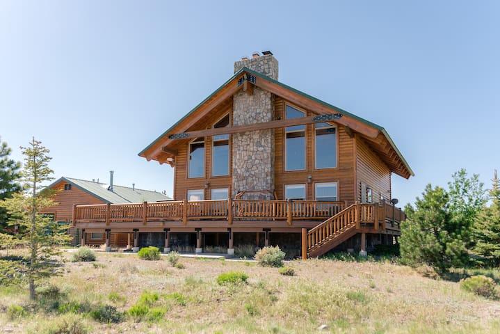 Two Bears Lodge at Panguitch Lake