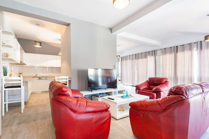 Large Luxurious Penthouse Apartment with view - Tivat