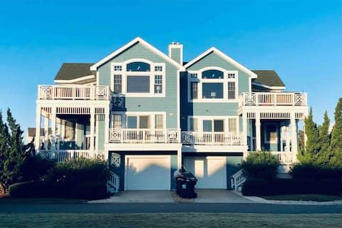 BIG House! Beach Access, Hot Tub & Game Room