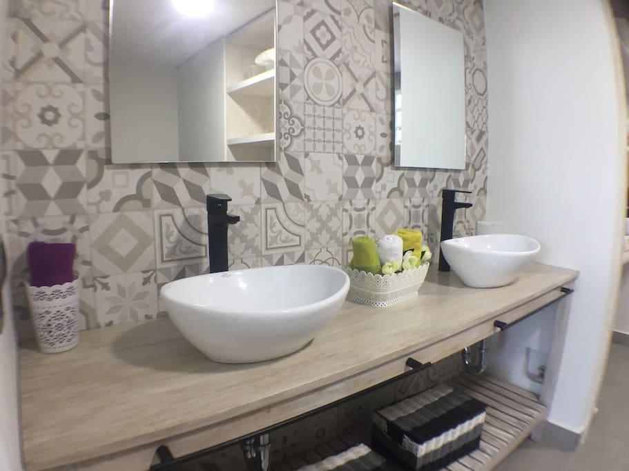 Baño tipo Spa con doble lavado