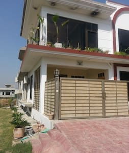 Cool Sun, 3 bedroom, fully furnished house - Islamabad - Haus