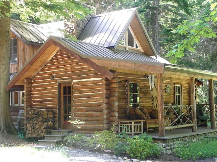 Eagle's Landing Log Cabin  Built in 1902
