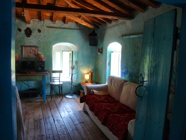 Vintage Country Home in Richea