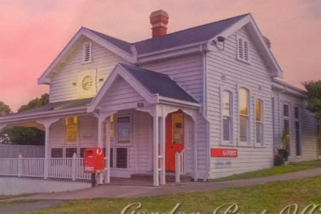 Gordon Post Office,  Charming, Private, Executive