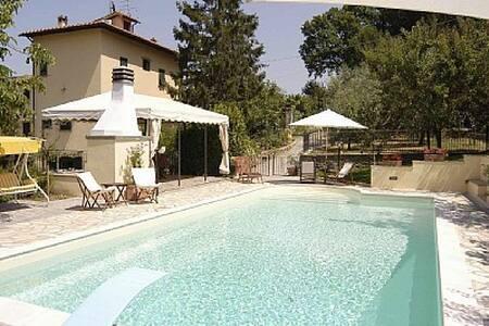 Villa la Fiorita, Mosciano  Firenze - Scandicci - Villa