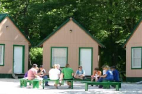 Cumberland Mountain  Cabin #7 Grumpy