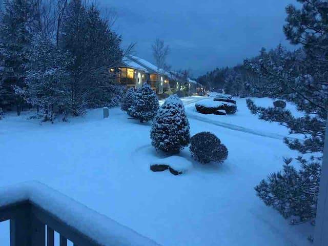 Mountain Home Awe Inspiring Views!