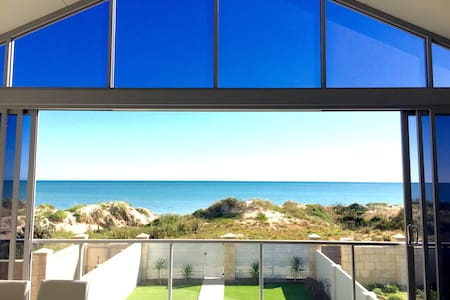 Luxury Beach House - Mandurah