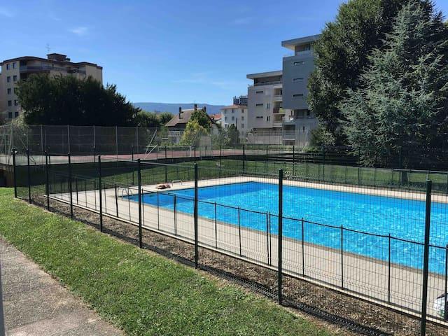 Studio 2 personnes Chambéry /piscine et parking 3*