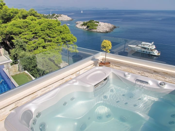 Villa Mirosa - Comfort Double Room with Balcony and Sea View