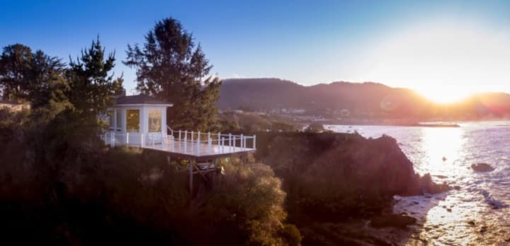 Private ocean peninsula, views of CA & OR coasts