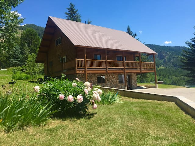 Beautiful Aspen Cabin-Great Views, Great Location!