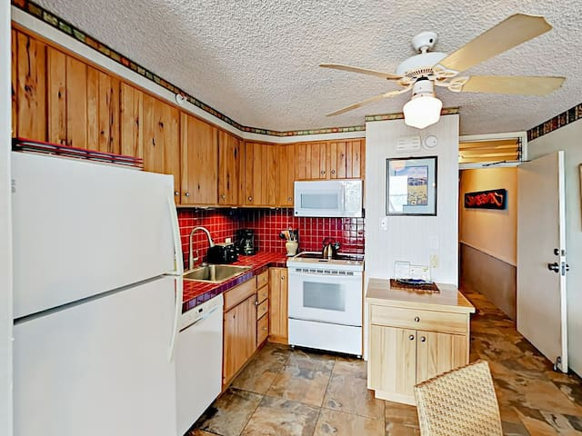 Fully equipped kitchen with everything you need to make memorable family meals.