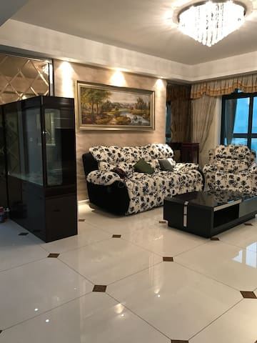 豪华舒适的现代风格,给您一个完完全全的居家体验。 - 南京