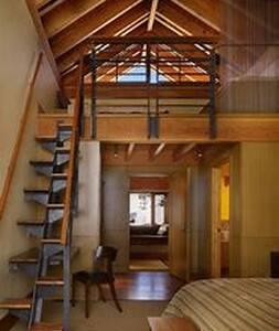 Romance loft style in the Hills.