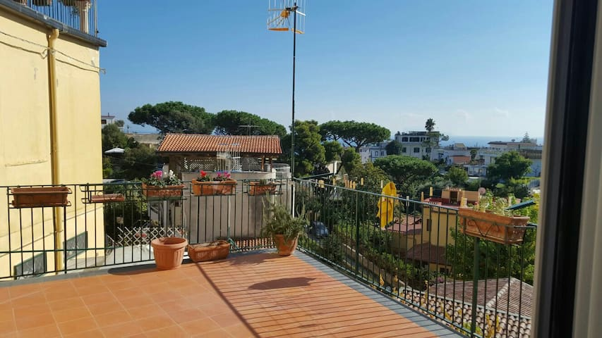 Sunny apartment in via Posillipo - Neapel - Wohnung