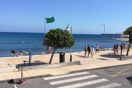Apartamento primera linea en playa de Arinaga