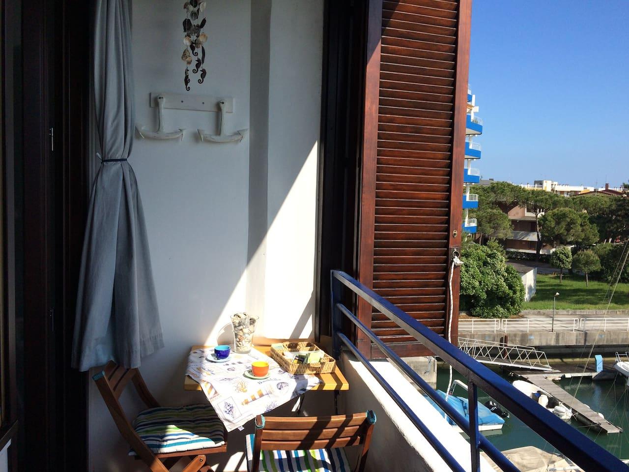 Balcony overlooking the Darsena
