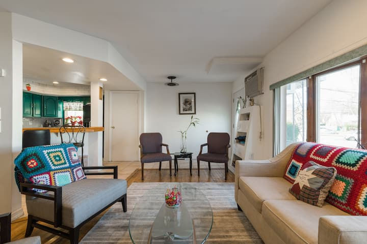 Quiet Waterfront Home 10 mins away from JFK