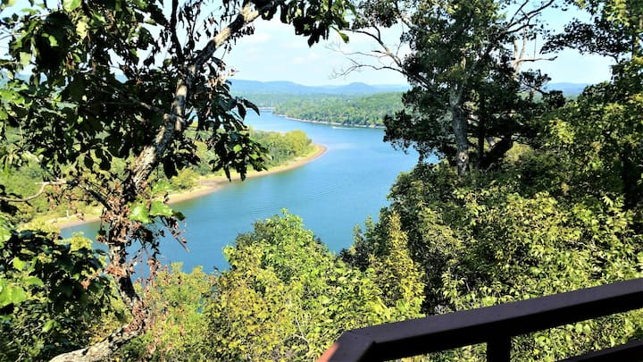 Table Rock Vista, Lake / White River View, 1/2 mi. to Marina, Golf, WiFi, Cable, Trailer Parking