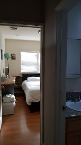 #3 Quiet cozy room in LA near Pasadena_Right side