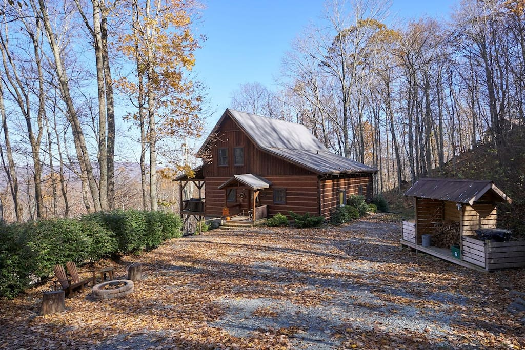 Exceptional views from this like-new custom log cabin conveniently located in Valle Crucis.
