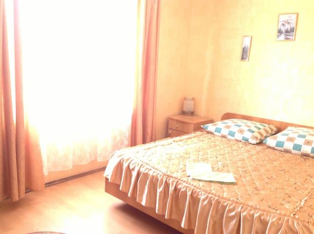 Комната с 2-х спальной кроватью