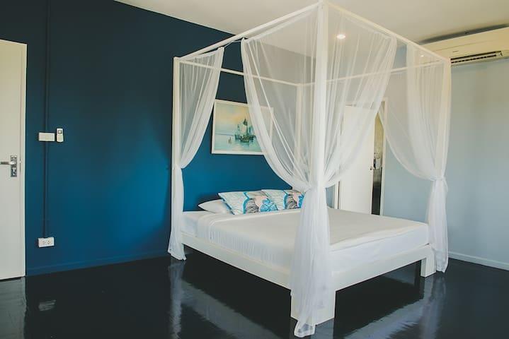 ห้องนอนบนบ้านชั้นที่ 2