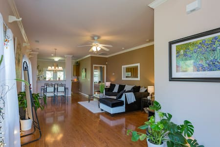 Sunny/Cozy Lake View Room in Modern Style Townhome - Nashville