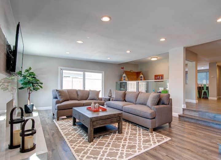 Premier Resort Home near Downtown Disney & Beach ☀