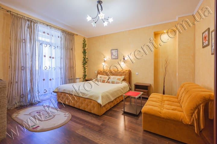 Studio & jacuzzi, Nauka Ave, centre - Kharkiv - Appartement