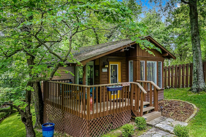 Maple - The Woods Cabins