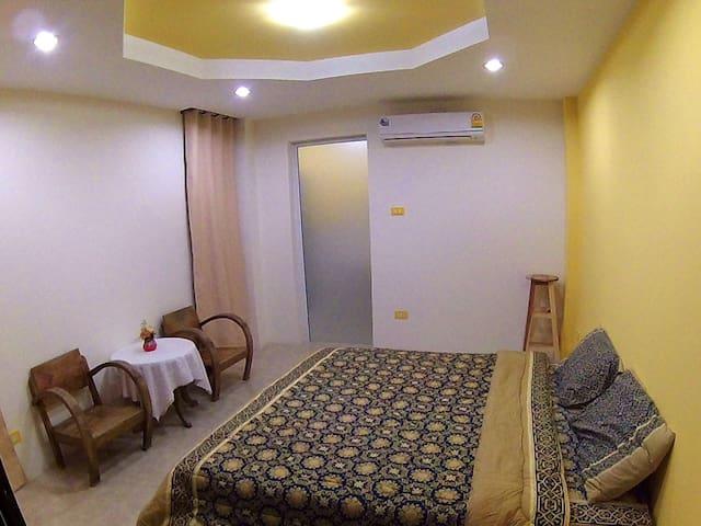 Homeindy67 room2 - Sam Ran Rat