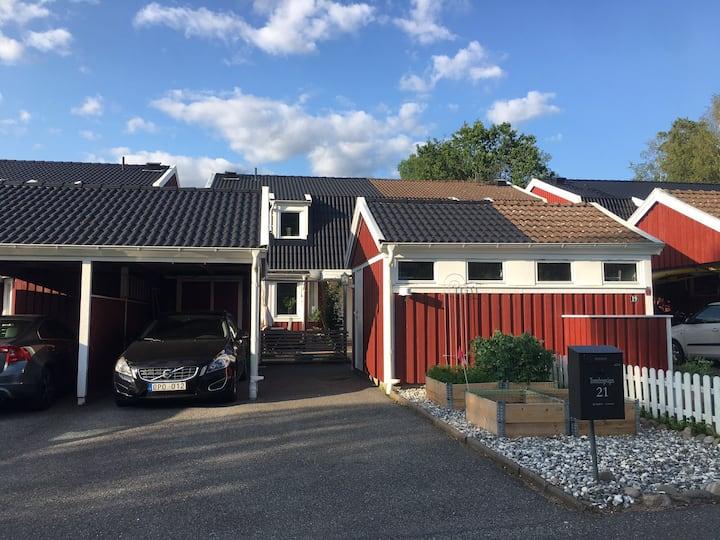 Parhus i Lerum - ett stenkast från Göteborg