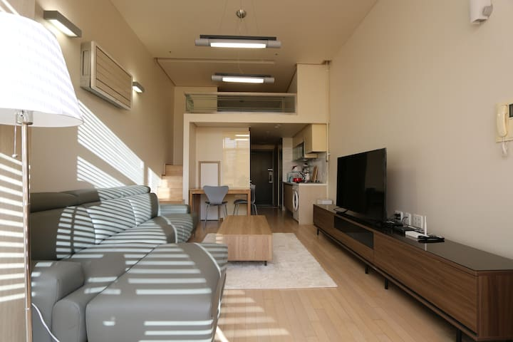 Gangnam Station, Loft+2 min to Airport Bus stop